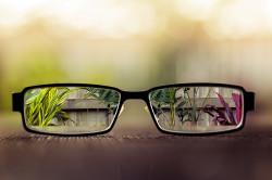 Ухудшение зрения при вывихе хрусталика