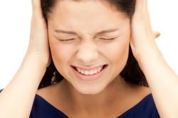 Шум в ушах при подвывихе шеи