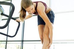 Сильная боль в колене - симптом вывиха