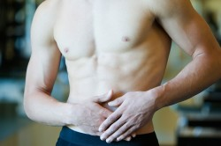 Боль в паху - симптом перелома шейки бедра