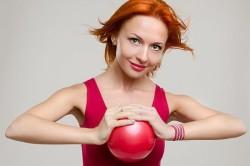 Упражнения с мячом для восстановления после перелома ключицы