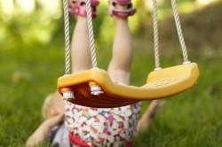 Падение - причина перелома позвоночника у детей