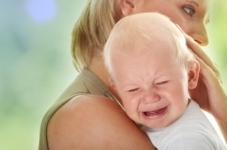 Плач - симптом подвывиха бедра