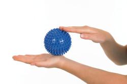 Упражнения с мячиком для восстановления запястья после перелома
