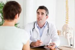 Обращение с переломом руки к врачу