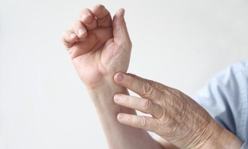 Вывих руки